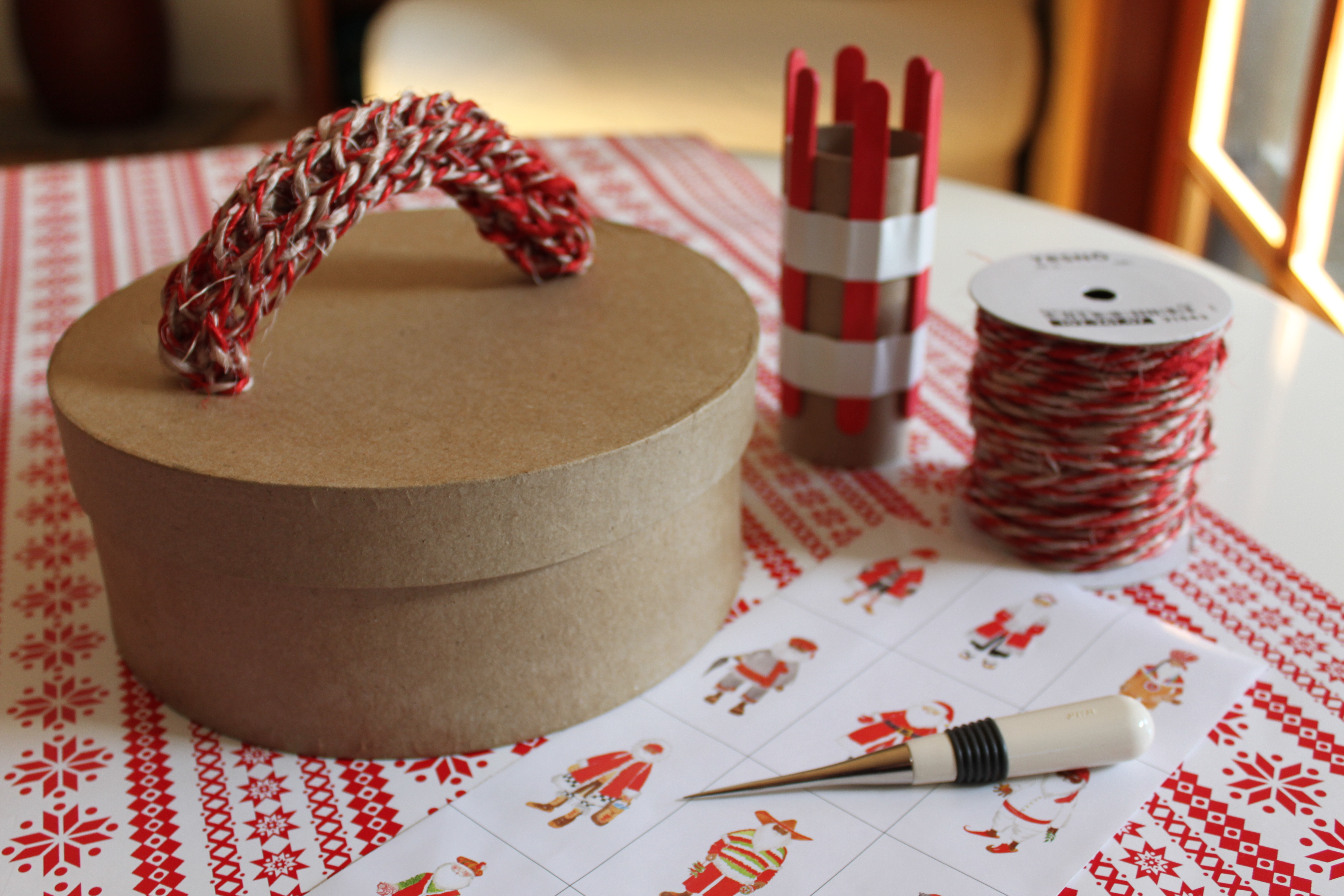 Knitting Nancy Toilet Paper Roll : Moved permanently