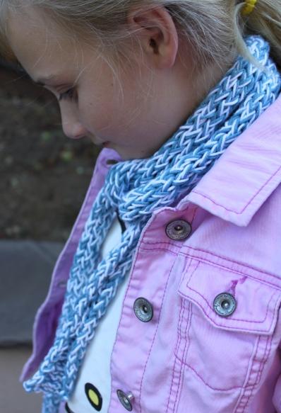 Knitting Nancy Toilet Paper Roll : Toilet paper roll knitting idea summer skinny skarf