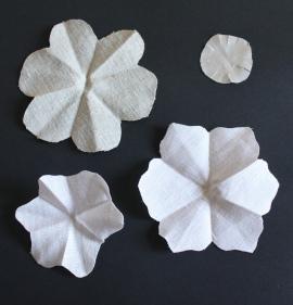 mml linen flower pieces