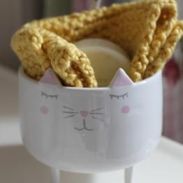 mml knit cloth in kitty dish
