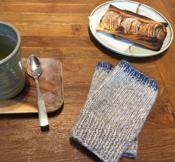 mml-mitts-on-table